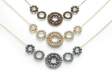 daisy necklaces